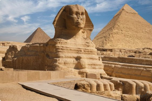 A gízai nagy szfinx a Föld egyik legnagyobb és egyben az egyik legrégebbi szobra