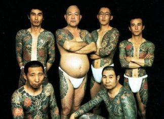 Tetovált japán férfiak
