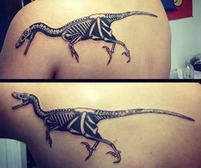 Mozgó tetoválás - raptor